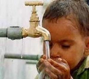 Жители Стамбула отказываются пить воду из-под кранов