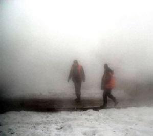 Жители Эльмаша замерзают без горячей воды и отопления. А коммунальщики спокойно обедают