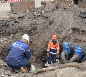 В Оренбурге ремонтируют трубопровод методом ГНБ